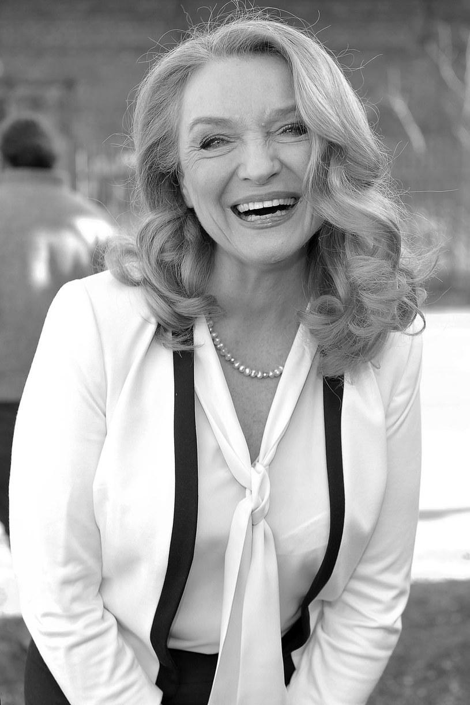 17 maja zmarła Halina Skoczyńska, znana aktorka teatralna, telewizyjna i filmowa - poinformował filmpolski.pl - internetowy serwis Szkoły Filmowej w Łodzi. Artystka miała 62 lata.