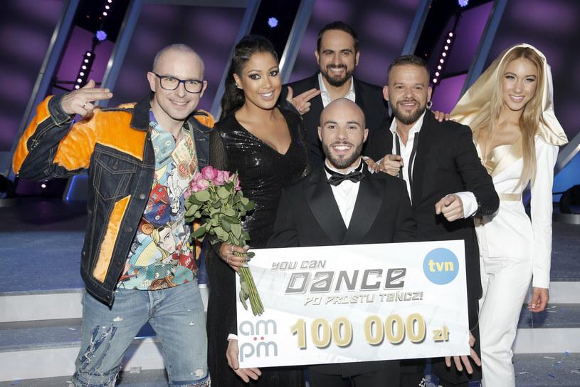 """Sycylijczyk, który zawładnął sercami polskich fanów programu """"You Can Dance - Po prostu tańcz!"""", został zwycięzcą 9. edycji show. Stefano Silvino miał zostać rolnikiem, jednak wybrał taneczną drogę. To ryzyko mu się opłaciło."""
