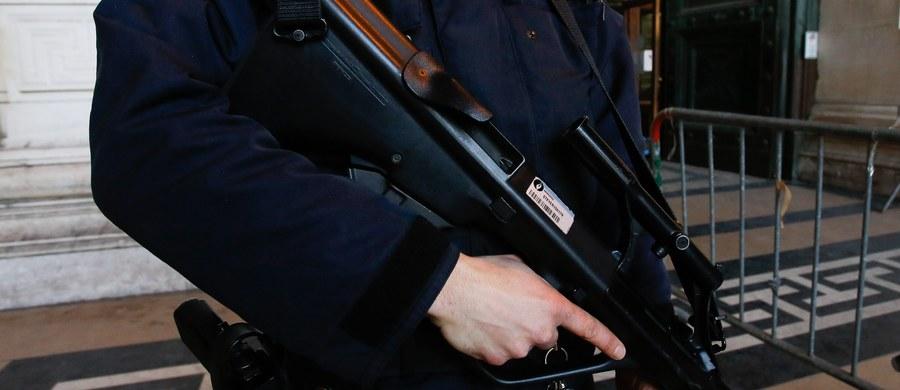 Policja w południowo-zachodniej Francji aresztowała mężczyznę podejrzewanego o to, że planował zamach w noc sylwestrową - poinformowało źródło policyjne.