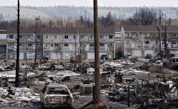 Pożary w kanadyjskiej Albercie strawiły już ponad 500 tysięcy hektarów lasów i niebezpiecznie zbliżyły się do obszarów, gdzie eksploatowane są piaski roponośne. Ogień rozprzestrzenił się także na wschód, do prowincji Saskatchewan.