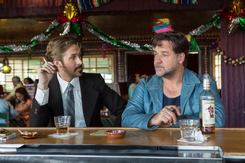 """""""To porządny kryminał"""" - mówi o filmie """"Nice Guys. Równi goście"""" Ryan Gosling, odtwórca jednej z głównych ról. Komediową, kryminalną produkcję można oglądać od 20 maja na ekranach polskich kin."""