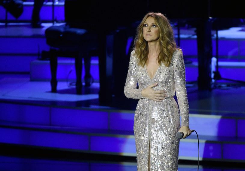 Celine Dion zmaga się z tym, by wybaczyć sobie, że nie trzymała swojego umierającego męża Rene Angelila, gdy odchodził.