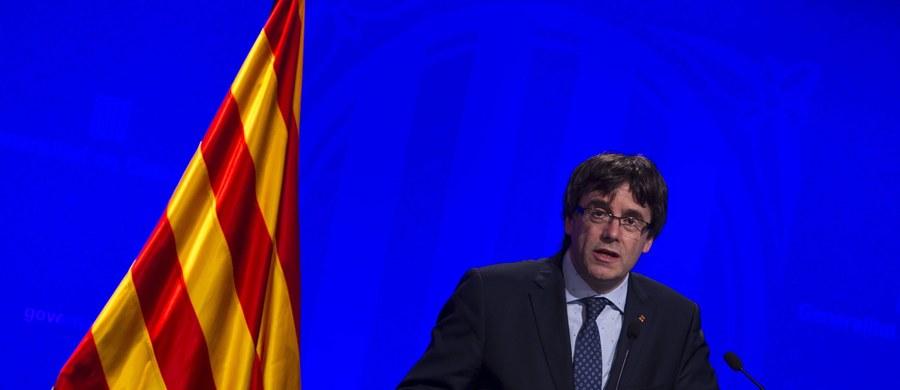 Sympatycy Blaugrana postanowili obejść decyzję delegata madryckiego rządu, który zakazał wnoszenia katalońskich flag.