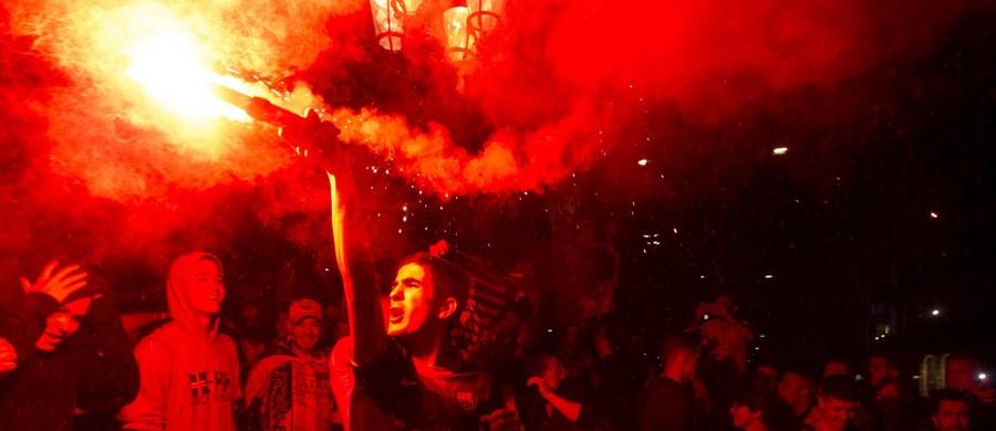 Piłkarze Barcelony po raz 28. zdobyli Puchar Hiszpanii. W niedzielnym finale w Madrycie wygrali z Sevillę 2:0 po dogrywce. W pokonanym zespole cały mecz rozegrał pomocnik reprezentacji Polski Grzegorz Krychowiak.