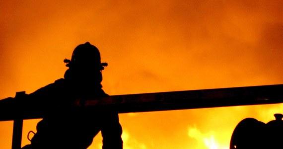 Tragiczny nocny pożar w szkolnym internacie w Chiang Rai na północy Tajlandii. Zginęło co najmniej 17 uczennic.