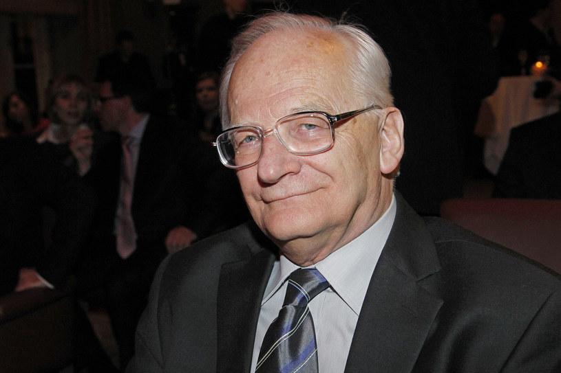 """Stanisław Janicki, felietonista """"Tele Tygodnia"""", znany historyk kina, opowiada o życiu i śmierci Eugeniusza Bodo. Przyznaje też, że trafił na materiały archiwalne, które dramat aktora stawiają w nowym świetle."""