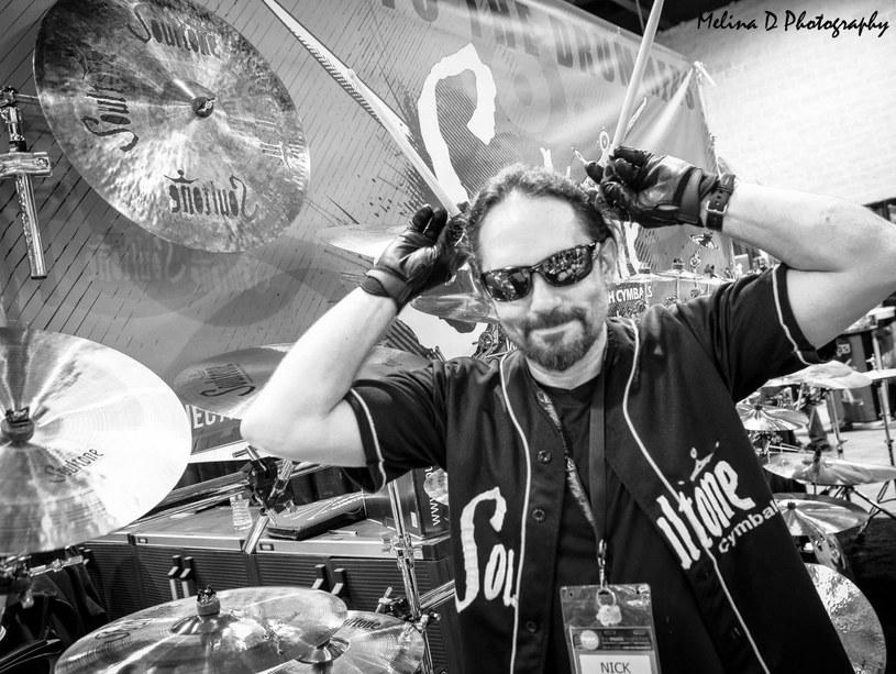 Muzycy i przyjaciele Nicka Menzy, zmarłego w sobotę (21 maja) byłego perkusisty Megadeth, wspominają jego pogodę ducha i niezwykły talent.