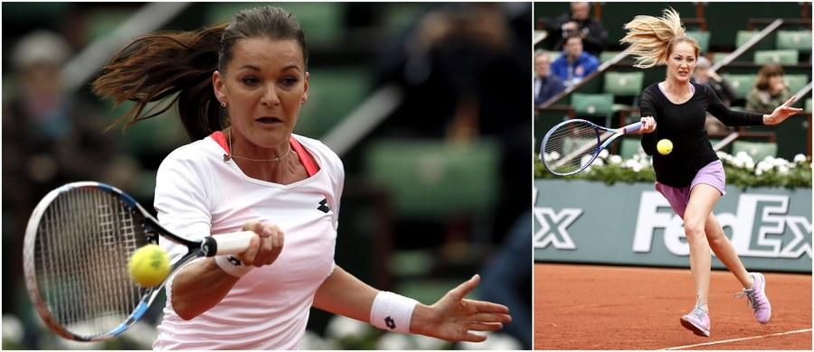 Rozstawiona z numerem drugim Agnieszka Radwańska pokonała serbską tenisistkę Bojanę Jovanovski 6:0, 6:2 w pierwszej rundzie wielkoszlemowego French Open na kortach ziemnych im. Rolanda Garrosa w Paryżu. Jej kolejną rywalką będzie Francuzka Caroline Garcia. Ze zmaganiami singlistek pożegnała się natomiast Magda Linette, która uległa Szwedce Johannie Larsson 3:6, 6:4, 5:7.