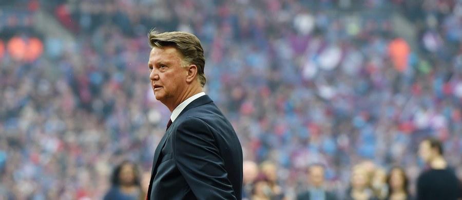 Trener Manchesteru United Holender Louis van Gaal został zwolniony - poinformował klub angielskiej ekstraklasy piłkarskiej. Według serwisu bbc.com, jego miejsce zajmie Portugalczyk Jose Mourinho.