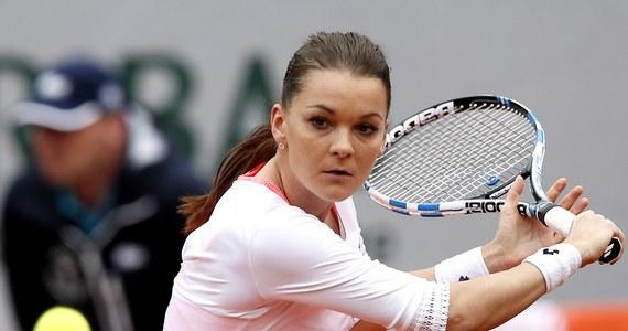 Agnieszka Radwańska bez większych problemów wygrała z Serbką Bojaną Jovanovski i awansowała do drugiej rundy wielkoszlemowego turnieju na kortach imienia Roland Garrosa. Kolejną przeciwniczka  będzie reprezentantka gospodarzy Caroline Garcia. Choć dla większości kibiców jest to anonimowa zawodniczka, Polka będzie musiała grać na najwyższym poziomie. Kilka dni temu Francuzka wygrała turniej WTA w Strasburgu.