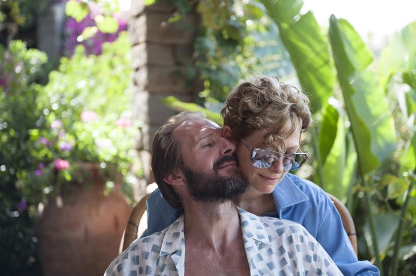 """Pantelleria jest malutką włoską wyspą leżącą nieopodal kontynentu afrykańskiego. Tam rozgrywa się akcja filmu """"Nienasyceni"""" z Tildą Swinton i Ralphem Fiennnesem w rolach głównych. Fiennes wspomina, że czuł się tam trochę klaustrofobicznie, jak w pułapce."""
