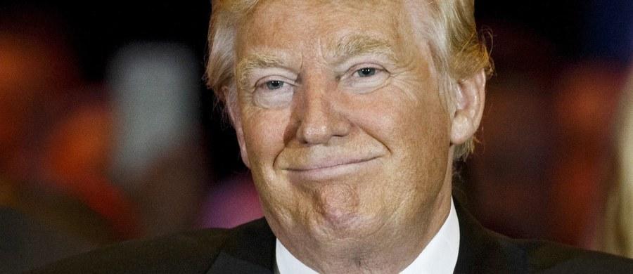 Z szacunków agencji AP wynika, że kontrowersyjny miliarder Donald Trump ma wystarczającą liczbę delegatów na lipcową konwencję Partii Republikańskiej (GOP), by uzyskać jej nominację zapewniającą start w listopadowych wyborach prezydenckich w USA.