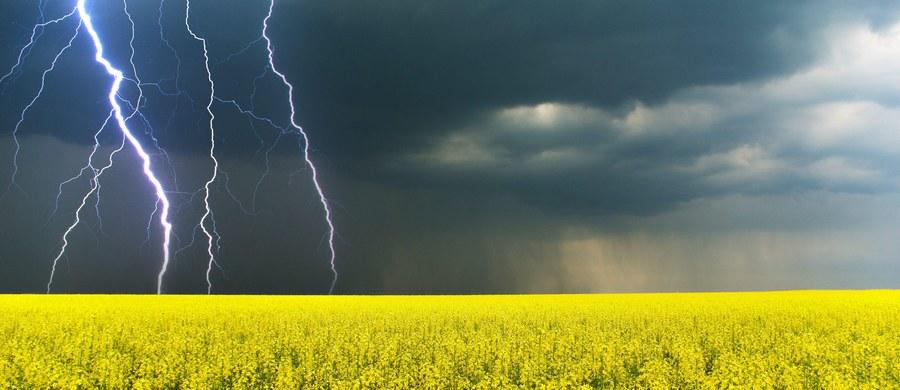 Instytut Meteorologii i Gospodarki Wodnej wydał ostrzeżenia przed gwałtownymi burzami z gradem. Dotyczą one pięciu województw.