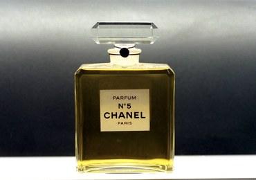 """Tajemnice najsłynniejszych perfum świata. """"Sekretne życie Chanel No. 5"""" wkrótce w księgarniach"""