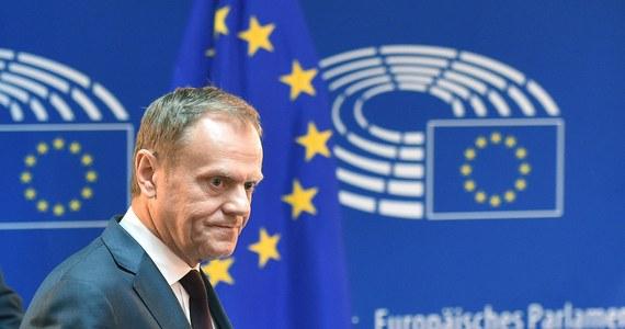 """Wszyscy wierzą, że Donald Tusk wróci do Polski i zawalczy o prezydenturę. A to mit i nieprawda – pisze Stanisław Janecki, publicysta i komentator polityczny. W najnowszym numerze tygodnika """"wSieci"""" publicysta udowadnia, że były premier nie wróci już do bieżącej polityki i nie będzie angażował się mocniej w polską politykę."""