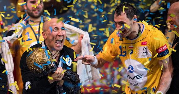 Piłkarze ręczni Vive Tauronu Kielce zostali triumfatorami Ligi Mistrzów. Kielczanie pokonali w finale w Kolonii MVM Veszprem po rzutach karnych 39:38 (13:17, 29:29, dogr. 35:35). To największy sukces klubowej piłki ręcznej w Polsce.