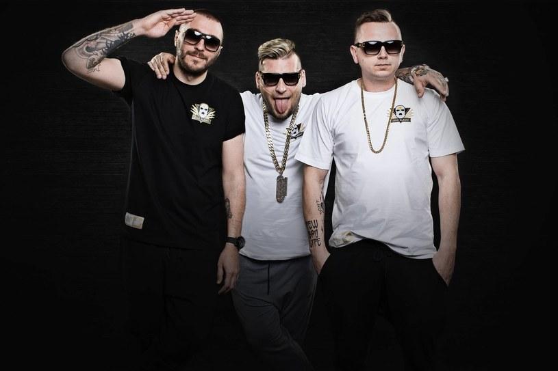 W sobotę 21 maja w białostockim klubie WoW wystąpił Gang Albanii. Koncert przeszedłby bez echa, gdyby nie fakt, że o Popku i jego kolegach ostro wypowiedział się tamtejszy ONR.