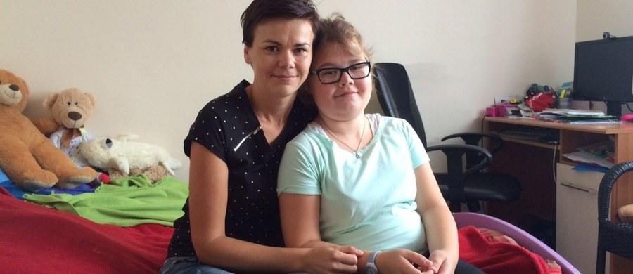 Resort zdrowia chce uchylenia wyroku korzystnego dla ciężko chorej 13-latki. Nie zgadza się z sądem, który uznał, że odmowa refundacji leku - dzięki któremu dziecko zaczęło normalnie żyć - jest niezgodna z prawem. Chodzi o cierpiącą na zespoły autozapalne Olę spod Bytowa na Pomorzu.