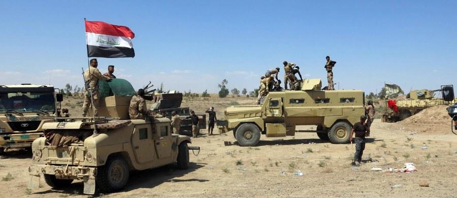 """Państwo Islamskie, broniące przed iracką armią leżącego na zachód od Bagdadu miasta Faludża, wykorzystuje setki cywilów jako """"żywe tarcze"""" - poinformowało Biuro Wysokiego Komisarza Narodów Zjednoczonych ds. Uchodźców (UNHCR). Informacje w tej sprawie przekazali UNHCR świadkowie."""