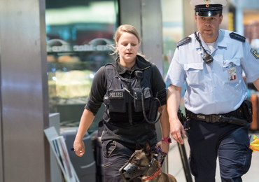 Terroryści z ISIS chcieli wysadzić się w Duesseldorfie. Niemcy udaremnili zamach