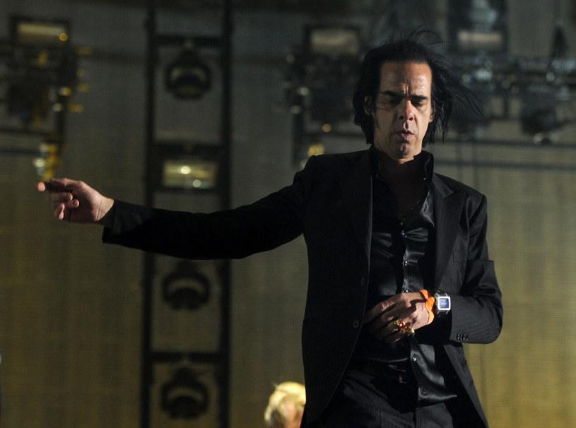 """Szesnasty studyjny album grupy Nick Cave & the Bad Seeds zatytułowany będzie """"Skeleton Tree"""" i ukaże się 9 września 2016 roku. Będzie to następca dobrze przyjętej płyty """"Push the Sky Away"""" z 2013 roku, która okazała się także komercyjnym sukcesem."""