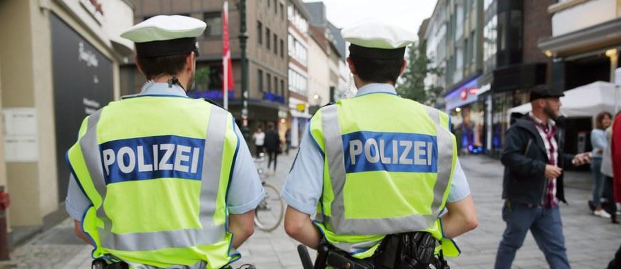 """10 ludzi, w tym dwóch zamachowców-samobójców, miało przeprowadzić zamach terrorystyczny w Düsseldorfie - niemiecki """"Der Spiegel"""" ujawnia nowe szczegóły ws. planowanego ataku. Wczoraj służby zatrzymały trzech Syryjczyków, związanych z Państwem Islamskim."""