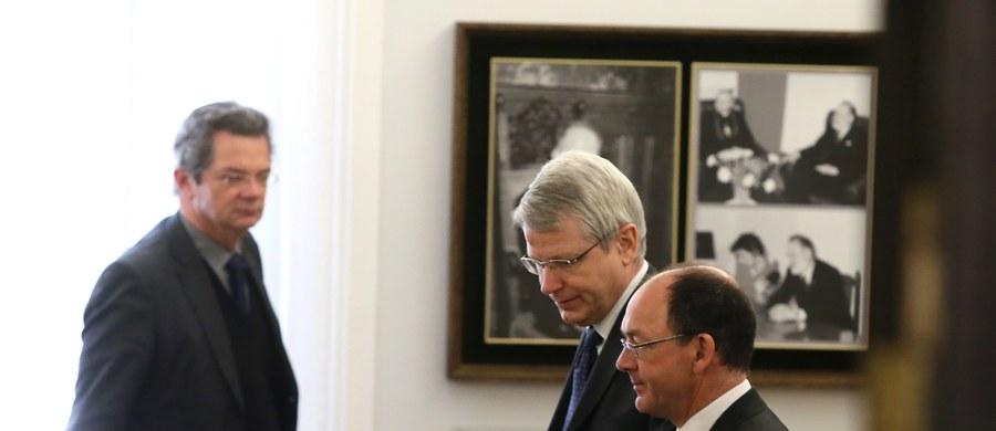 Komisja Wenecka rozesłała już opinię na temat nowej polskiej ustawy o policji, uchwalonej przez większość sejmową w lutym tego roku. Informację tę zdobył korespondent RMF FM Marek Gładysz w biurze komisji w Strasburgu. Według naszych nieoficjalnych ustaleń - opinia o ustawie jest mocno krytyczna.