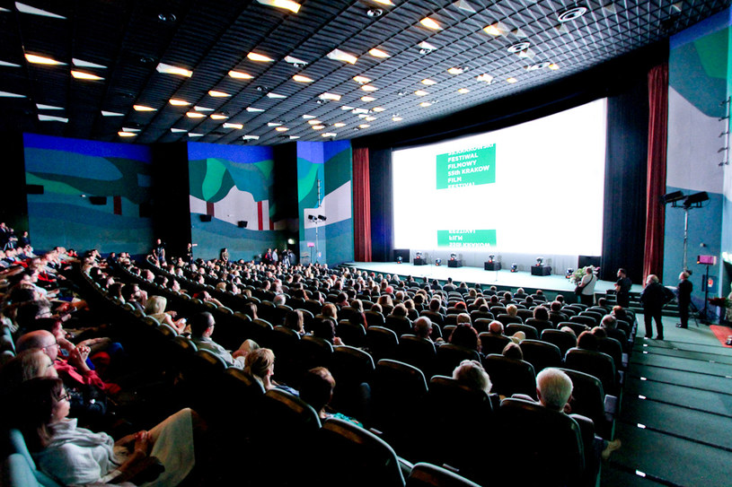 W sobotę, 4 czerwca, w sali kina Kijów.Centrum rozdano nagrody 56. Krakowskiego Festiwalu Filmowego. Międzynarodowe jury przyznało nagrody najlepszym filmom dokumentalnym, krótkometrażowym i animowanym.