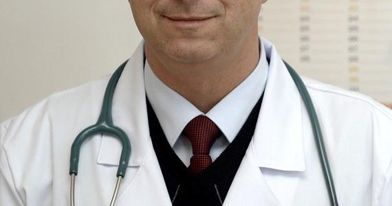 """""""Lekarze nie chcą wystawiać zwolnień chorobowych w nowym elektronicznym systemie"""" - informuje w poniedziałkowym wydaniu """"Rzeczpospolita"""". """"Powód? Jest zbyt drogi w obsłudze, a do tego bardzo powolny"""" - wyjaśnia dziennik."""