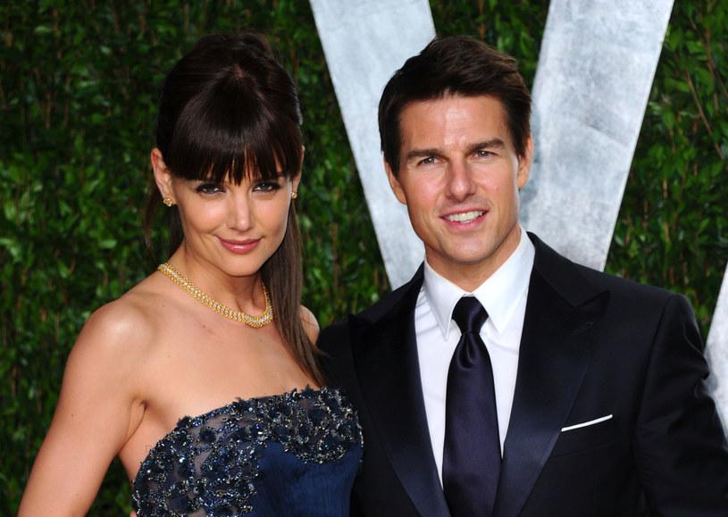 Tom Cruise nie widział się i nie rozmawiał ze swoją córką od… ponad 2,5 roku. Niektórzy twierdzą, że przyczyną takiego stanu rzeczy jest związek gwiazdora z Kościołem Scjentologicznym.
