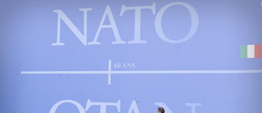 Zbliżający się lipcowy szczyt NATO w Warszawie będzie tematem wtorkowego posiedzenia Rady Bezpieczeństwa Narodowego, zwołanego przez prezydenta Andrzeja Dudę. Mają w nim wziąć udział m.in. premier Beata Szydło i liderzy ugrupowań politycznych.