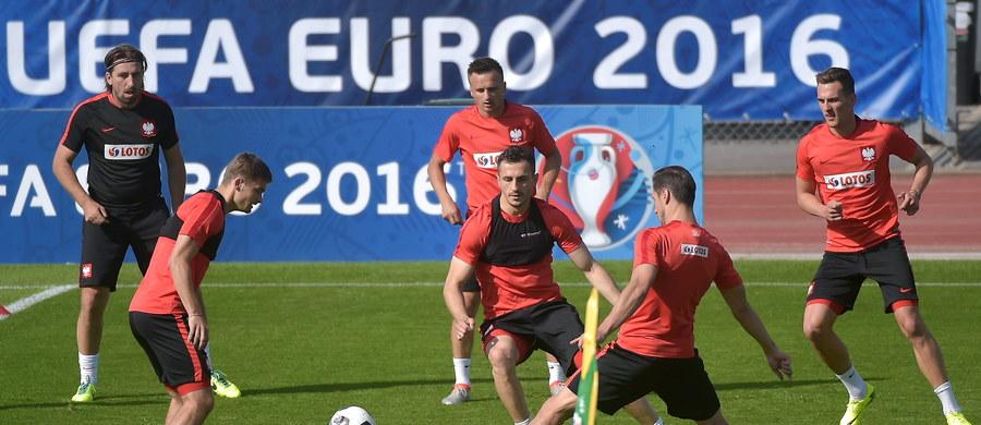 We francuskim La Baule odbył się trening reprezentacji Polski przed pierwszym meczem na mistrzostwach Europy z Irlandią Północną. Jego fragment obserwowali nasi specjalni wysłannicy.