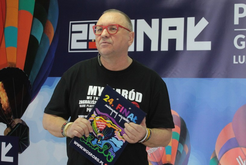 """W czasie 226. audycji """"Się Kręci"""" Jurek Owsiak pożegnał się z Programem Trzecim Polskiego Radia. Swoje spotkanie z radiosłuchaczami zakończył słowami """"kocham Trójkę i zawsze będę kochał""""."""