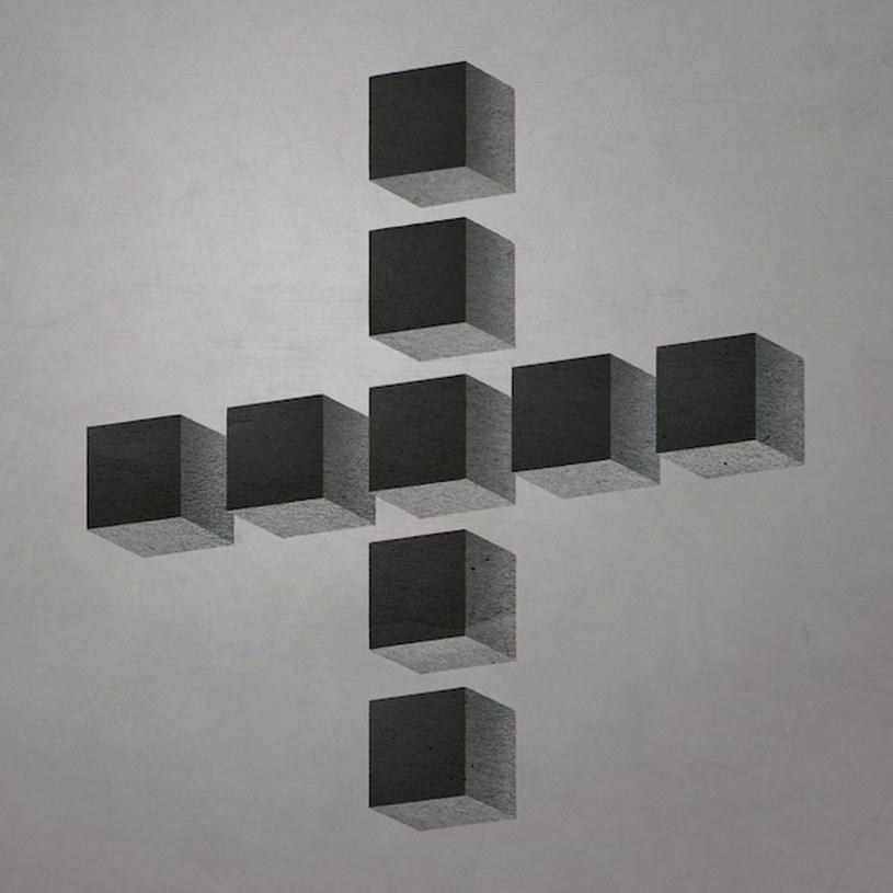 Muzycy z Minor Victories swoim – uznajmy – debiutanckim albumem bardzo dobrze pokazali, jak zrobić zachwycającą przystawkę, ale nie na tyle sycącą, aby zrezygnować z dania głównego.