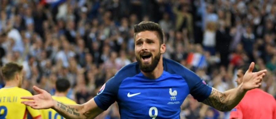 Na Stade de France odbył się pierwszy mecz Euro 2016. Gospodarze turnieju wygrali 2:1 z Rumunią. Strzelcem pierwszego gola mistrzostw został Olivier Giroud.