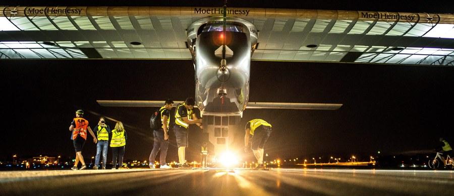 Napędzany energią słoneczną samolot Solar Impulse 2 przeleciał nad Statuą Wolności w Nowym Jorku. Lot z Pensylwanii do Nowego Jorku jest ostatnim, w USA, etapem rozpoczętej ponad rok temu podróży maszyny dookoła świata.