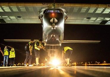 Solarny samolot przeleciał nad Statuą Wolności