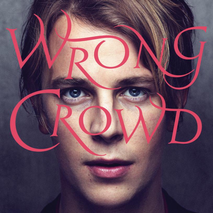 """Na songwritera roku 2014 musiało przyjść to, co nieuniknione - czas na udowodnienie słuszności decyzji jury przyznającego nagrody Ivor Novello. Tom Odell nagrał drugi album, zatytułowany """"Wrong Crowd"""" i pokazał jasno i wyraźnie - pisać piosenki to on umie."""