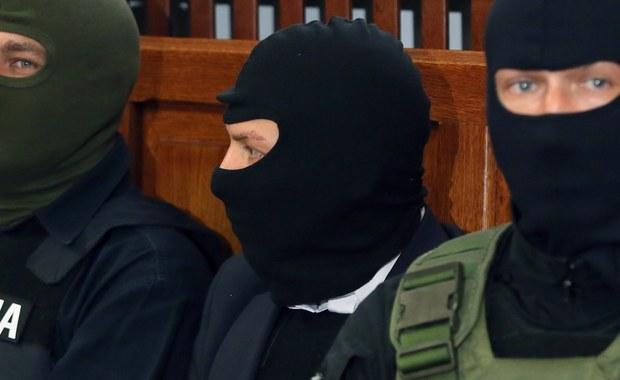 Kelner Łukasz N., jeden z głównych oskarżonych w śledztwie dotyczącym afery taśmowej, nie ma już stałej policyjnej ochrony. Jak dowiedział się reporter RMF FM Krzysztof Zasada, funkcjonariusze ograniczają się teraz jedynie do dowożenia go do sądu na rozprawy.