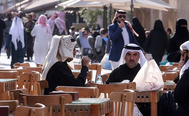 22-latka została skazana na rok więzienia w zawieszeniu. Do aresztu trafiła w marcu po tym, jak zgłosiła policjantom, że podczas wakacji w Katarze została zgwałcona. Pochodząca z Utrechtu 22-latka ma zostać wydalona z Kataru po wpłaceniu grzywny równowartości ok. 730 euro. Według holenderskiego MSZ, kobieta jest już na wolności.