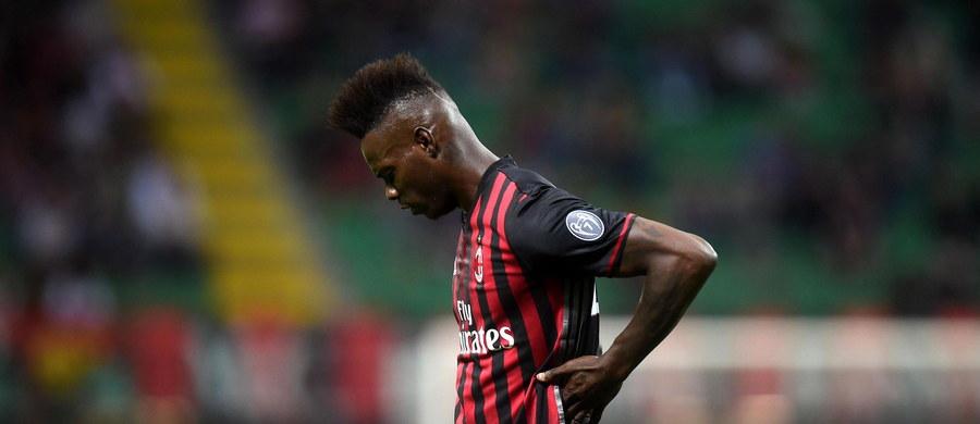 """Piłkarz AC Milan Mario Balotelli jest zamieszany w sobotnią bójkę w nocnym klubie w Brescii - poinformowała gazeta """"Corriere della Sera"""". Jeden z uczestników starcia stracił trzy palce dłoni."""