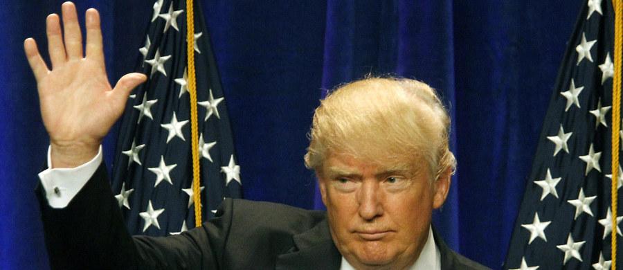 """Hakerzy powiązani z rosyjskim rządem włamali się do systemu komputerowego Krajowego Komitetu Partii Demokratycznej – pisze """"Washington Post"""". Cyberprzestępcy wykradli zebrane przez partię dane na temat Donalda Trumpa - kandydata Republikanów na prezydenta USA."""