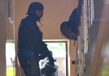 Jasło: Antyterroryści zatrzymali 25-latka, który zabarykadował się w mieszkaniu