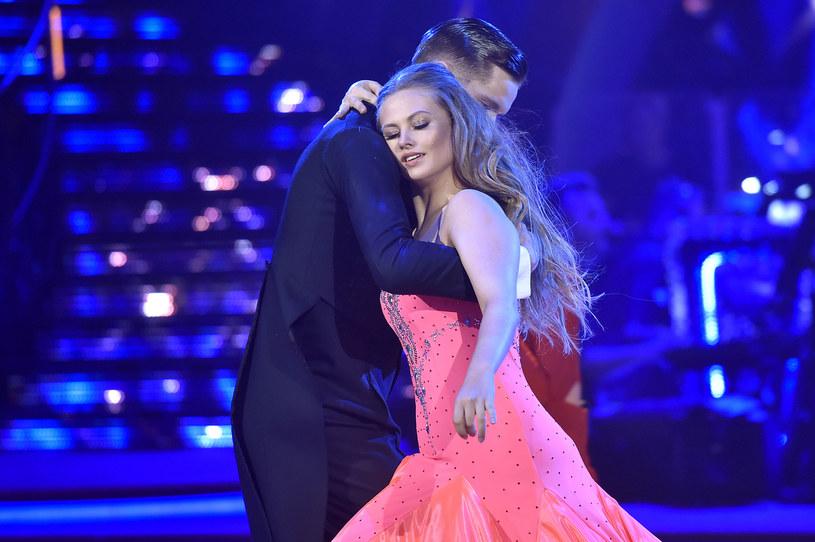 """Wygląda na to, że laureatka """"Tańca z Gwiazdami"""", aktorka Anna Karczmarczyk, zakochała się."""