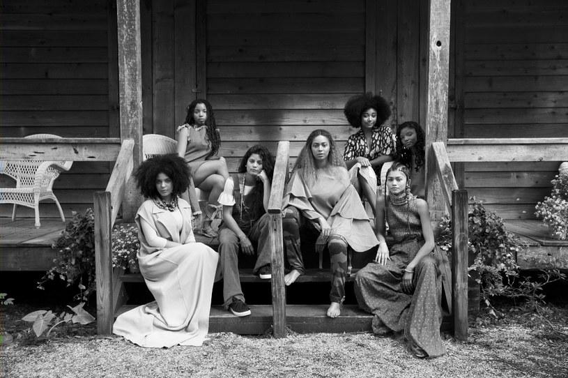 """Już w najbliższą sobotę, 18 czerwca o godz. 21 w HBO2 odbędzie się polska premiera i jednocześnie jedyna emisja """"Lemonade"""" - albumu wizualnego Beyoncé towarzyszącego jej najnowszej płycie. """"Lemonade"""" to, jak mówi Beyoncé, projekt konceptualny oparty o podróż każdej kobiety poprzez samoświadomość  i uzdrowienie."""