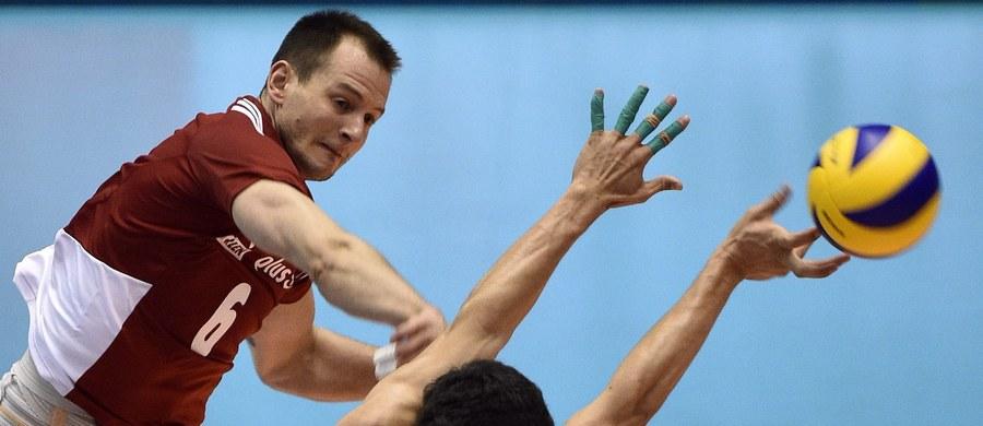 Polscy siatkarze przegrali z mistrzami olimpijskimi Rosjanami 0:3 (22:25, 19:25, 22:25) w swoim drugim meczu Ligi Światowej. Dzień wcześniej w rozgrywanym w Kaliningradzie turnieju biało-czerwoni pokonali Bułgarów 3:1. W niedzielę zmierzą się z Serbami.