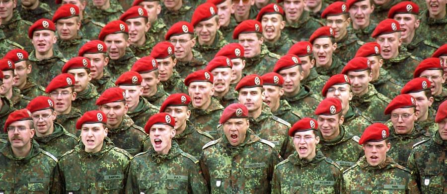 """Rząd Niemiec chce umożliwić ochotnikom z innych krajów Unii Europejskiej służbę w Bundeswerze - podał """"Welt am Sonntag"""". Taki postulat zawiera nowa Biała Księga polityki bezpieczeństwa, która ma zostać opublikowana przed wakacjami."""