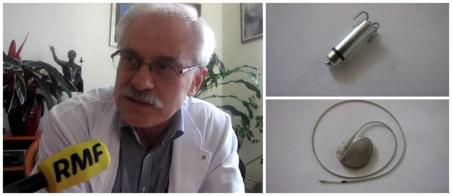 Najnowocześniejsze stymulatory pracy serca dostali dziś czterej pacjenci. Zostały wszczepione w Krakowskim Szpitalu Specjalistycznym im. Jana Pawła II w Krakowie. Urządzenia są wielkości małej baterii. Placówka zakupiła dziesięć tego typu stymulatorów.