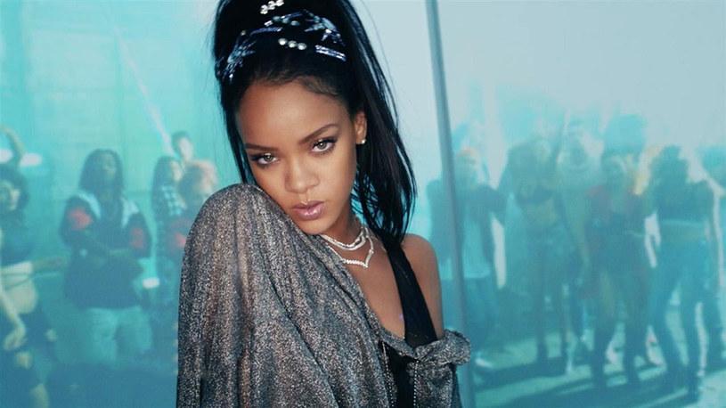 """Rihanna, Drake, Mike Posner, Twenty One Pilots, Lukas Graham i inni - to ich przeboje znalazły się w mash-upie """"Summermash '16"""" DJ Earworma."""