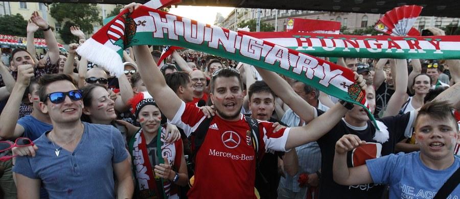 Tysiące osób wyległy w środę wieczorem na ulice Budapesztu, by świętować remis (3:3) w meczu z Portugalią w piłkarskich mistrzostwach Europy, dający Węgrom pierwsze miejsce w grupie F.